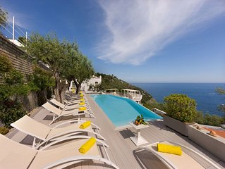 Large & charming villa with sea views and private pool near Sorrento & Positano