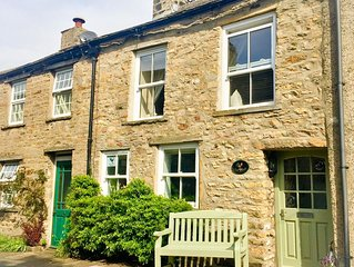 Charming 18th Century Cottage in Askrigg