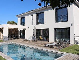 Villa-Maison neuve d'exception à Sanary à proximité de la plage.