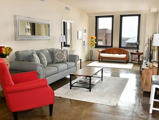 Luxury Two-Bedroom Suite in the Heart of Downtown