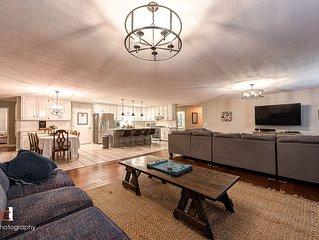 Huge Open Floor Plan 5 Bedroom/3 full bath Home 4.5 miles from U of A