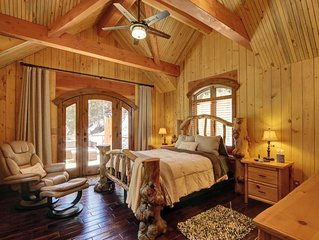 Carriage House Suite above the Stream