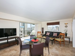 Luxury 3BR Ocean View Condo Totally Renovated Parking & wi-fi included!!