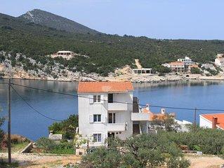 Two bedroom apartment near beach Cove Pokrivenik bay - Pokrivenik (Hvar) (A-4604