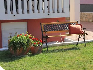 Two bedroom apartment with terrace Pašman (A-8215-c)
