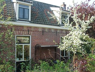 Characteristic Gooische villa with spacious garden and swimming pond in Hilversu