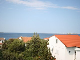 One bedroom apartment with terrace and sea view Mandre (Pag) (A-6537-d)