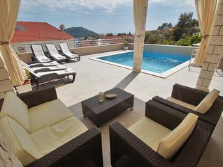 Family friendly house with a swimming pool Brna (Korcula) (K-13943)