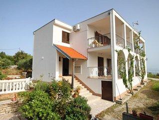 Studio flat near beach Cove Pokrivenik bay - Pokrivenik (Hvar) (AS-8673-b)