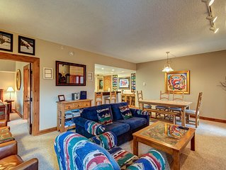 The 'Lone Star' Condo Ski-in/Ski-out, 2 BDR 2 BATH, Sleeps 8, Near Lifts & Main