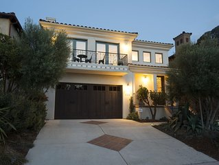 Fab Custom Home, Close to downtown! Pet Friendly.