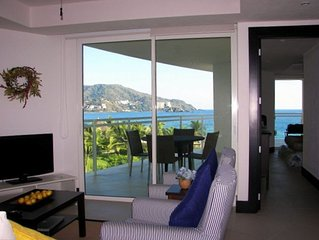 Bay View Grand Marina, New & Cozy Beach-Front Condo. WiFi, South Side View.