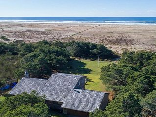 Private, updated, beachfront retreat 10 min from Seaside & Astoria