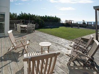 Stunning Beach House with direct access to the beach from the garden