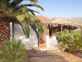 Villa a Scopello  a 900m dal mare immersa in un uliveto
