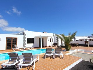 Beautiful Casa del Paraiso on Parque Del Rey in Playa Blanca with heated pool