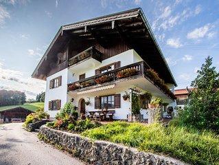 Biohof Jorgenbauer - Traumhafte Ferienwohnung Almzeit mit Bergblick, WLAN, Balko