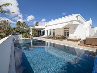 Casa Don Seka, Beautiful 5 bed Villa with Sea Views, Hot Tub & Sauna