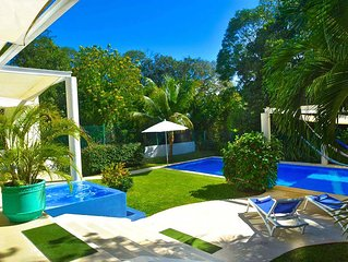 VILLA MARIPOSA, PRIVATE POOL, 2x JACUZZI, 6 BDR., 5600 sq. ft., FULL STUFF