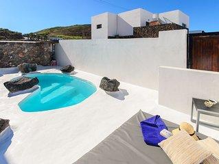 Stilvolles Interieur mit Hydromassage-Pool und Meerblick - Apartment Alimay