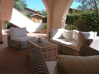 Mediterrane Ferienwohnung mit Garten und hübscher Terrasse