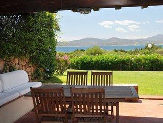 Ferienwohnung mit Klimaanlage, Pool und Garten; Parkplatz vorhanden