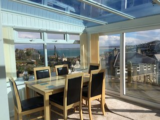 2 bedroom house, sleeps 5, fab views, gardens, parking, close to town & beaches!