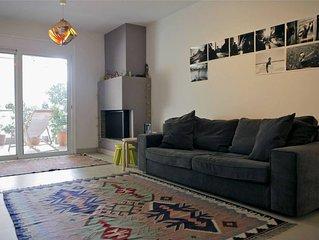 Cozy apartment with Acropolis view.