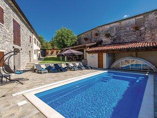 2 bedroom accommodation in Vele Mune