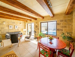 San Pietru Farmhouse - A three bedroom rustic accommodation with pool