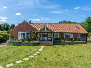 Lovely detached retreat centrally located in Burnham Market.