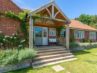 Delightful detached single-storey retreat centrally located in Burnham Market