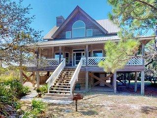 FREE BEACH GEAR! Plantation, Pets OK, Beach View, Screen Porch, Fireplace, 3BR/2