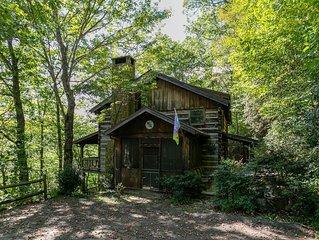 Daniel Boone Lodge- Hot Tub - Hiking Trail To New River - Pool Table