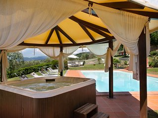 Huge Private Garden, AC in Bedrooms, Swimming Pool, Hot Tub and Wonderful View