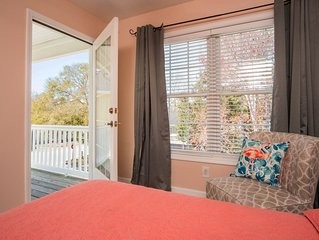 Great for families and large groups! *Linens included, walk to the beach*