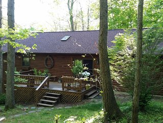 Charming, Cozy, Delightful and Fun Cabin in the Heart of Hocking Hills