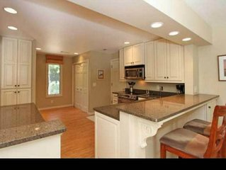 4BR/3.5Ba  home with a Golf Cart & Sport card-2 night minimums in winter