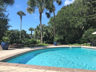 Newly Renovated Dream Vacation Home- 5BR, 5.5 BA, Large Pool, mins to beach!