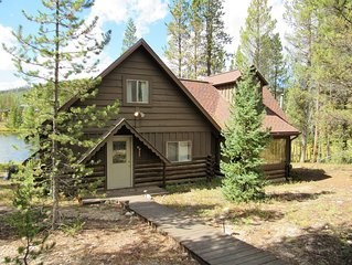 Coyote Cabin - Charmingly Authentic Cabin Right On Sun Valley Lake!