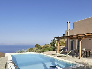 Pool House-Newly built residence in the closest Cycladic Island to Athens