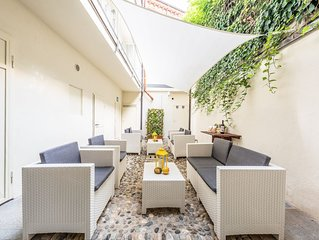 Trifulhouse holiday apartments: THE ENTIRE PALACE! max occupancy 16 guests