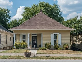 Gorgeous interior, walk to downtown, amazingly renovated historic 1901 house!