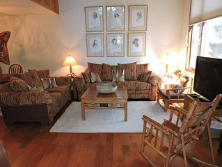 Woody,Sunny Townhouse on a Golf Course  2bd/ large loft