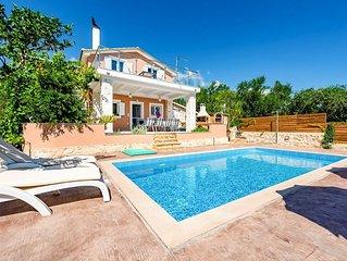 Villa Antonio: Large Private Pool, A/C, WiFi