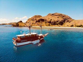 Epic Sails Around Flores Sea!