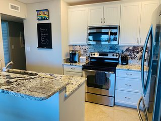 Beautiful Waterfront Condo 2Bd/2Ba-2 Pools, Tennis and Boat docks!!