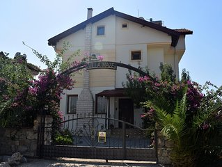 4 bed Villa With Private Pool And Mountain Views. 5 minutes walk to Hisaronu