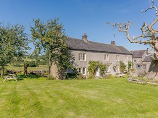 7 bedroom accommodation in Middleton-by-Youlgrave, near Bakewell