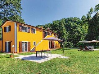 1 Zimmer Unterkunft in Carrara -MS-